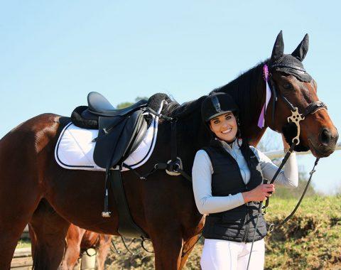 Melinda Prinsloo with her horse Wind
